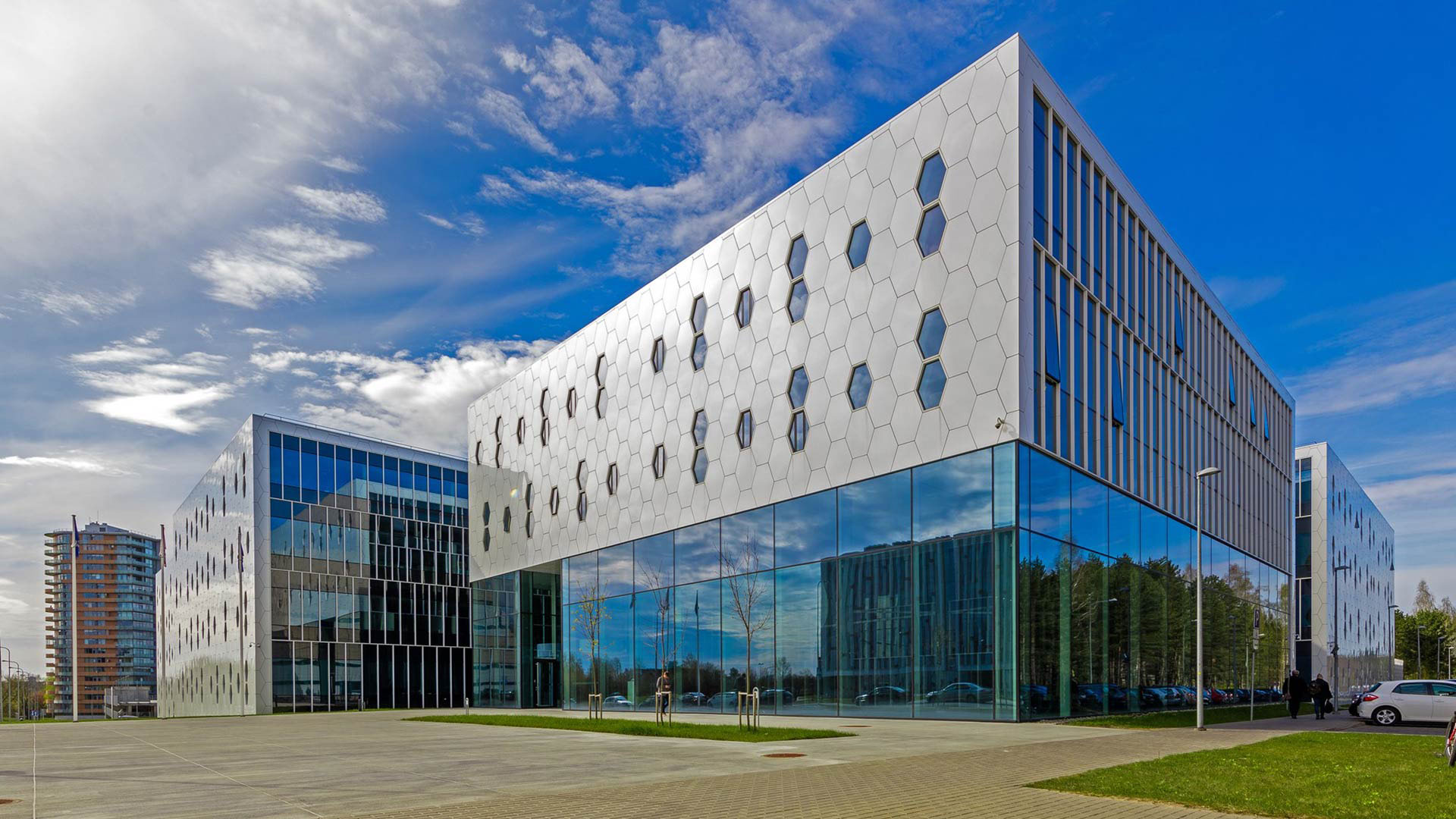 Sparkling Cristalline Graphene for Vilnius University, Lithuania